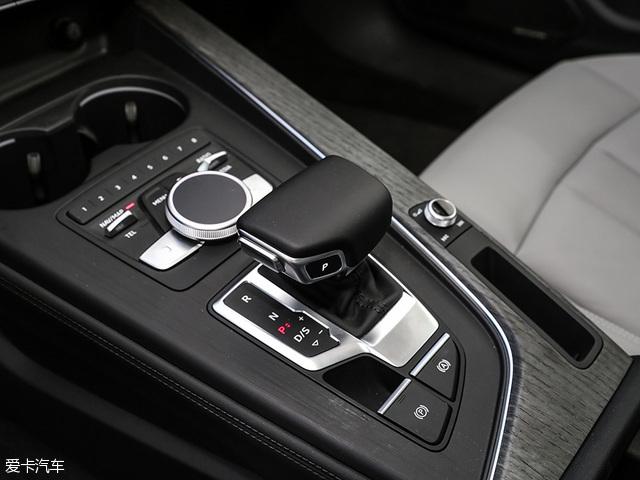传动部分系统,新车全系搭载一台全新S tronic 7速双离合变速器。此外,高配车型还将配备一套quattro四驱系统。