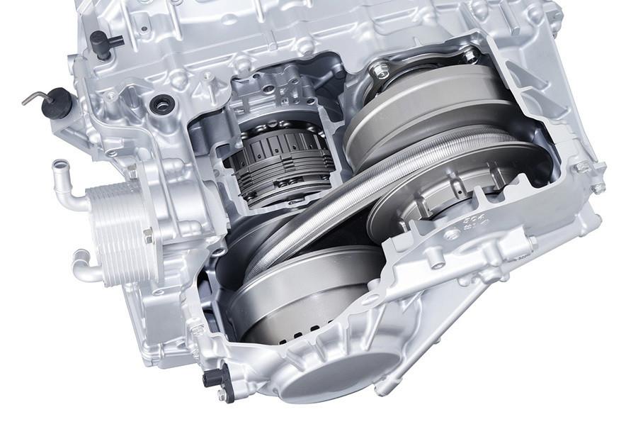 如今民用汽车领域中,小排量涡轮增压发动机已毫无疑问的成为了主流技术。而本期栏目的主角,就是在涡轮潮流中揭竿而起,坚守自然吸气阵营的两位勇者。