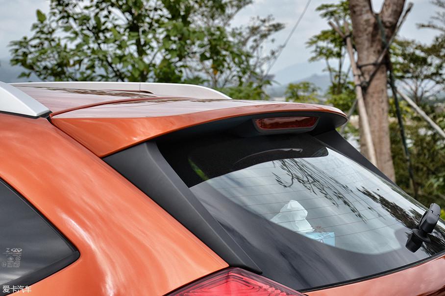当朋友圈内依旧充斥着来自帝都的各种雾霾景象的时候,身在海南三亚的我却享受着洒满金色阳光的新鲜空气,这显然要感谢奇瑞汽车全新小型SUV瑞虎3x。