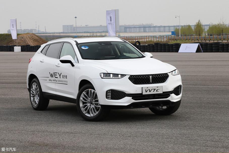 """以长城汽车创始人魏建军先生之名创立的高端品牌""""WEY"""",究竟能将中国品牌汽车的工艺品质拉升到怎样的高度,这个问题终于在今天得到了解答。"""