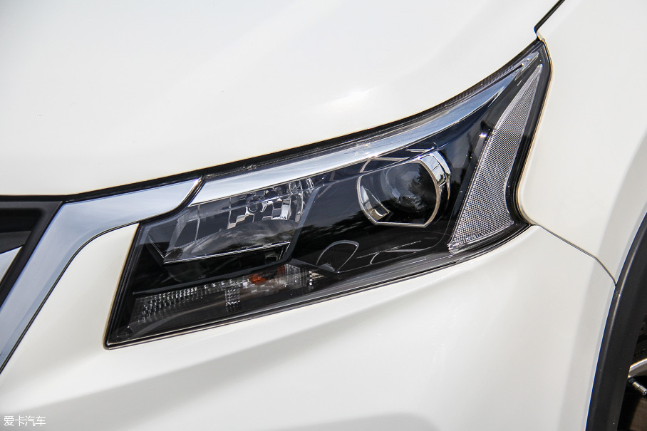 北汽幻速2017款幻速S5