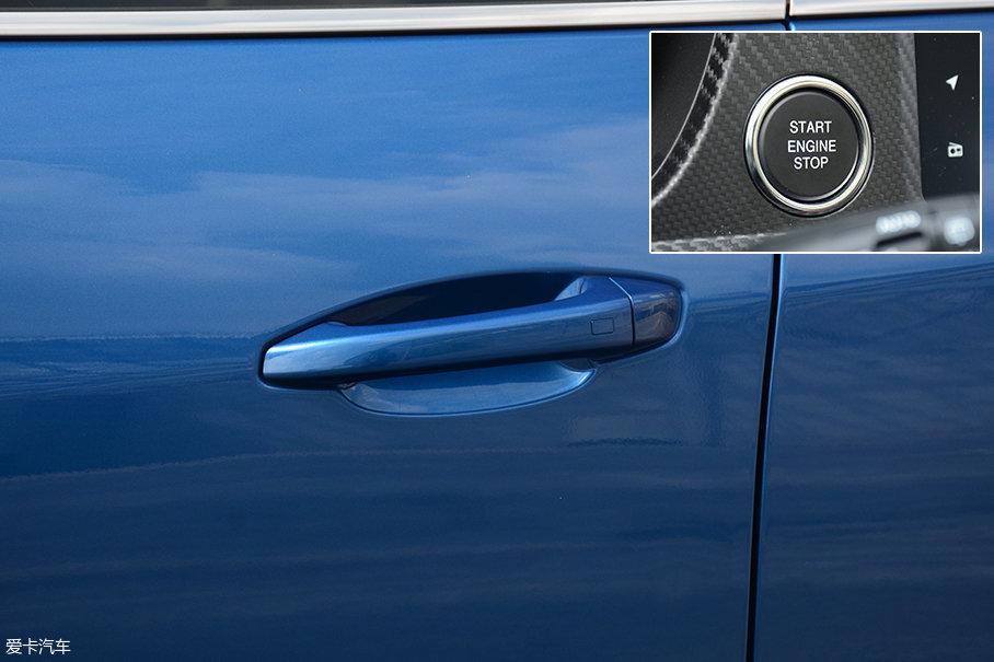 门把手造型较为平淡,试驾车型配备了无钥匙进入和无钥匙启动功能。