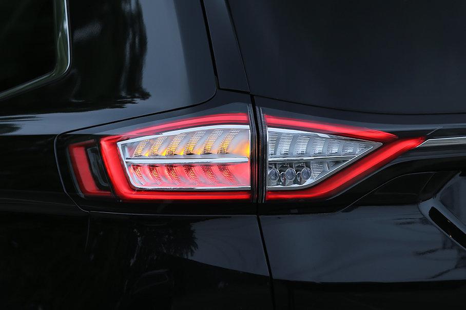 全LED光源使锐界的尾灯看上去更锐利也更具科技感。