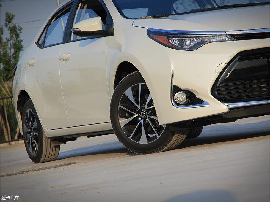 测试车配有高配车型专属的16英寸双色动感造型的双五辐轮圈,而轮胎采用普利司通ADVAN dB decibel系列,其规格为205/55 R16。