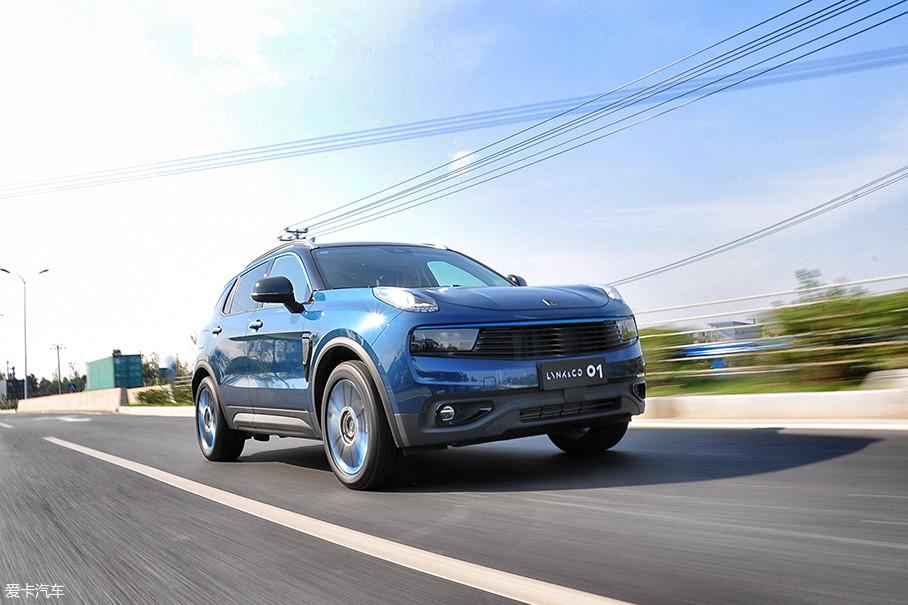 这其中AEB主动式紧急刹车系统、ACC带自动排队功能的自适应巡航系统以及LKA车道保持辅助系统都在开放道路的试驾体验中给予了驾驶者足够的主动安全性。