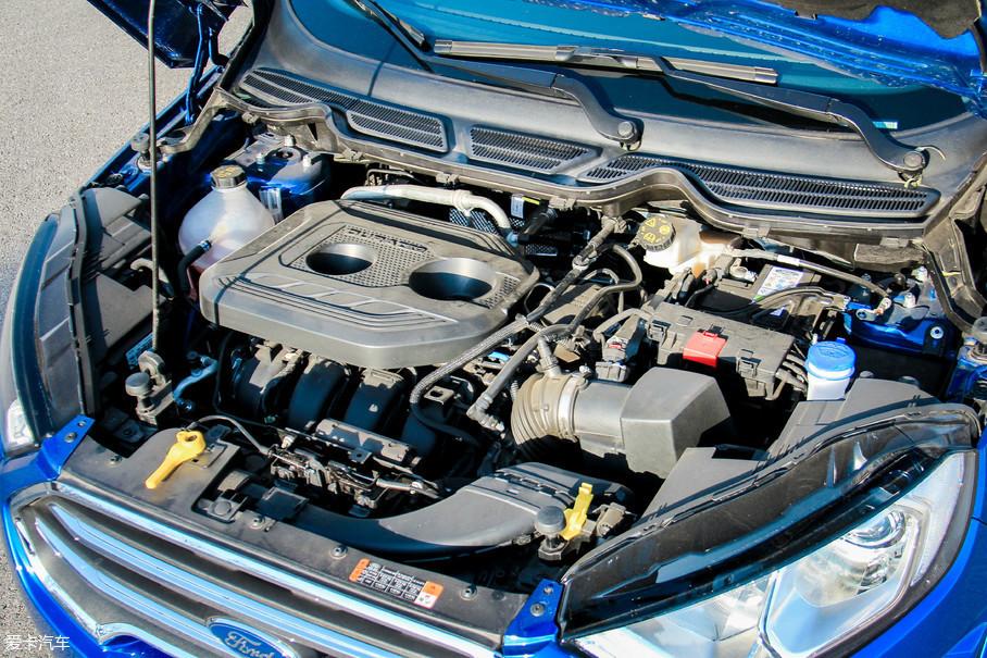 福特新翼搏的顶配、也是唯一的四驱车型,配备了一台2.0L自然吸气发动机,最大功率125kW(170Ps)/6500rpm,峰值扭矩202Nm/4500rpm。