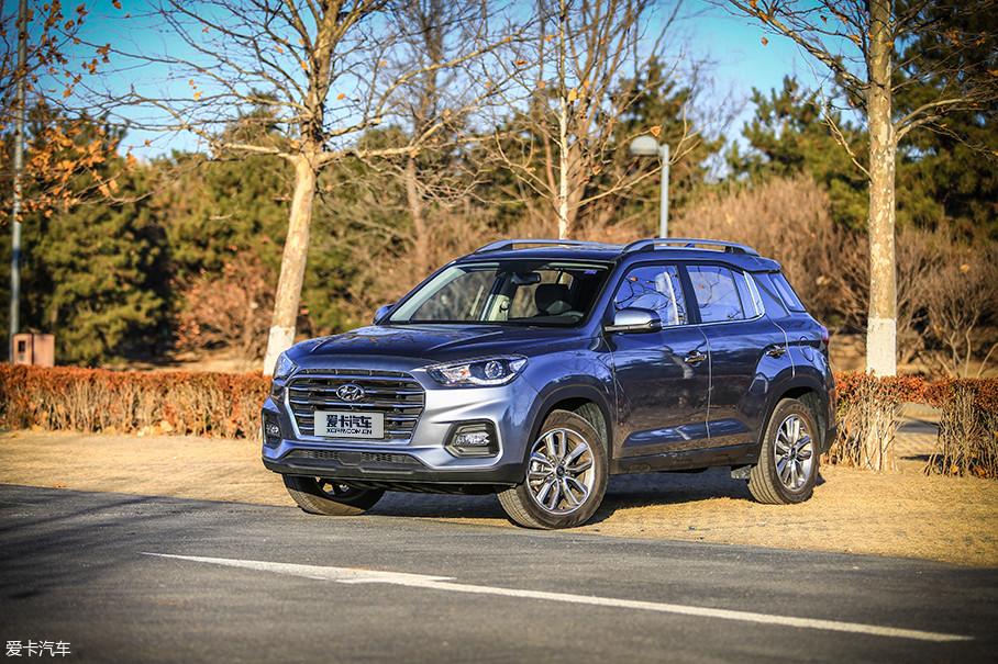 本次测试的新一代ix35为全系最顶配车型,官方配置名称为2018款 2.0 TOP 4WD AT 智勇·旗舰版,官方指导价格为16.19万元。