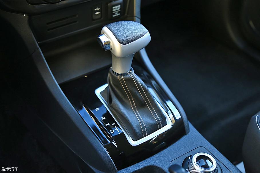 1.9T和3.0T自动挡车型均搭载了一台来自爱信的6AT变速箱。