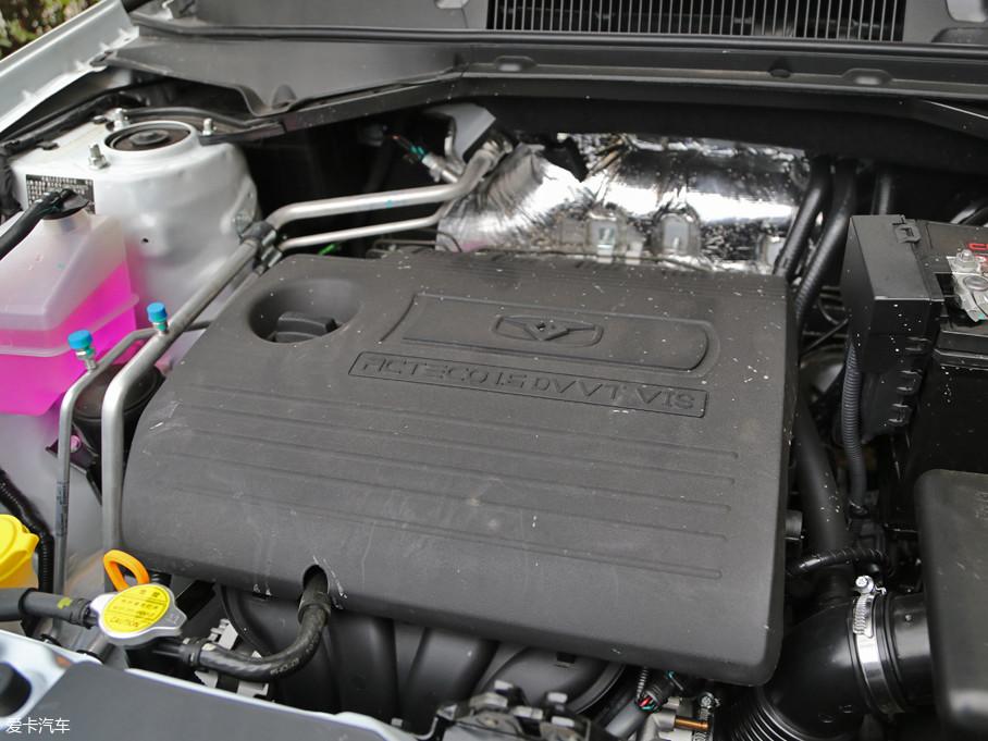 试驾车型搭载了一台1.6L自然吸气发动机,最大功率为93kW(126Ps)/6150rpm,最大扭矩为160Nm/3900rpm。