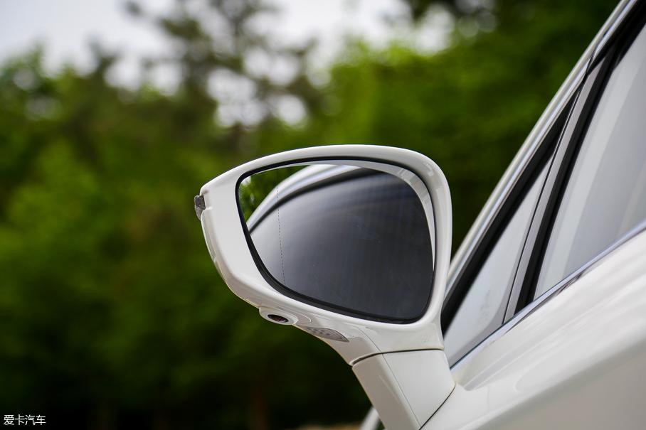 比亚迪汽车2018款宋MAX