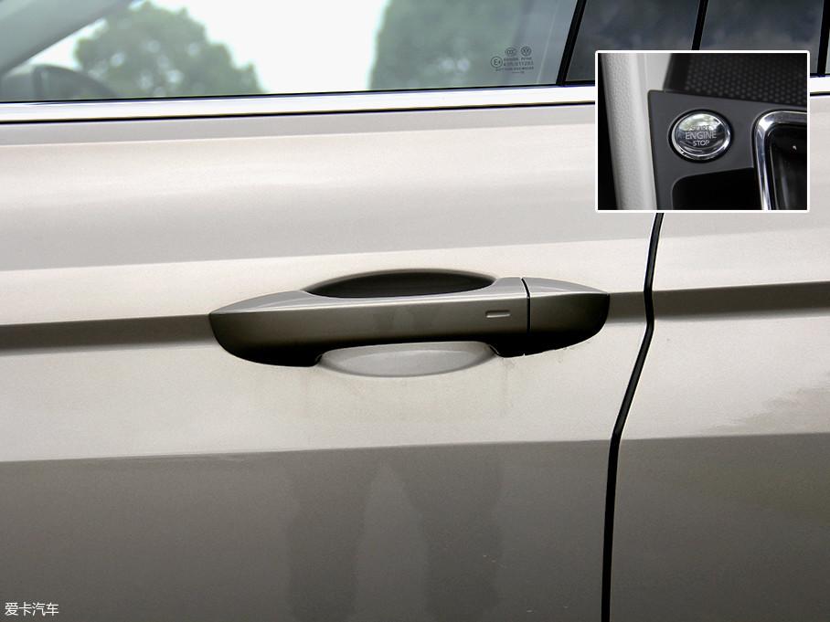 本次试驾车型还配备了无钥匙进入功能,搭配无钥匙一键启动功能。在这几天的试驾时间里,车钥匙基本就不用从口袋里拿出来,这对于在平时用车频繁的情况下会非常的便捷。