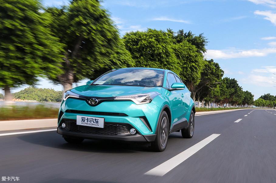 2.0L自然吸气发动机的动力储备完全能够轻松应对城市道路的日常使用需求,加速、超车都显得游刃有余。
