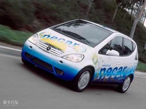 奔驰 马德里/2003 年-以梅赛德斯/奔驰Citaro为原型制造的首批30辆燃料电池...