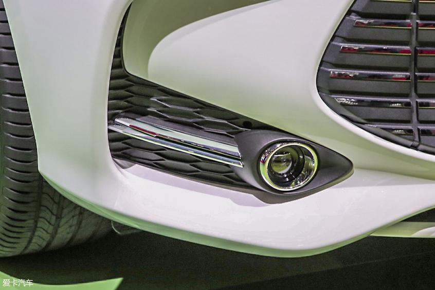 比亚迪汽车2019款宋MAX EV