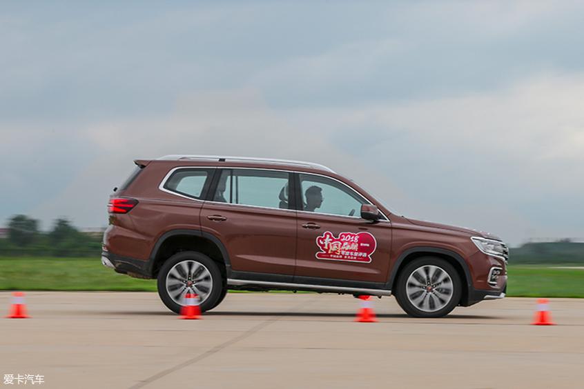 中国品牌车型评选:加速刹车