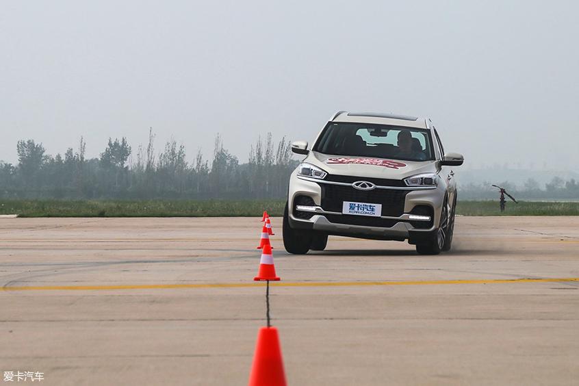 中国品牌车型评选:绕桩测试