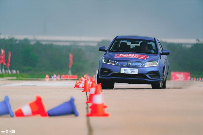 中国品牌车型评选:转向测试