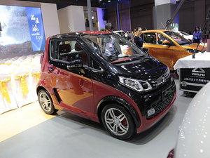上海车展众泰E200