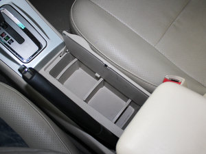 2010款比亚迪F3DM 空间座椅
