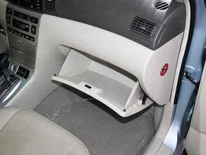 2010款比亚迪F3DM 手套箱