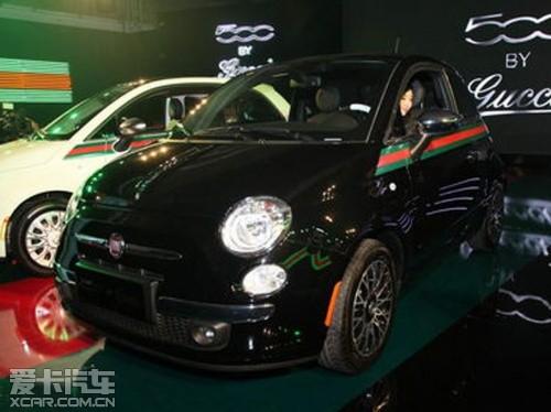 标志性红绿彩带,还有镶嵌在轮毂、排挡杆及车身各处的特别标高清图片