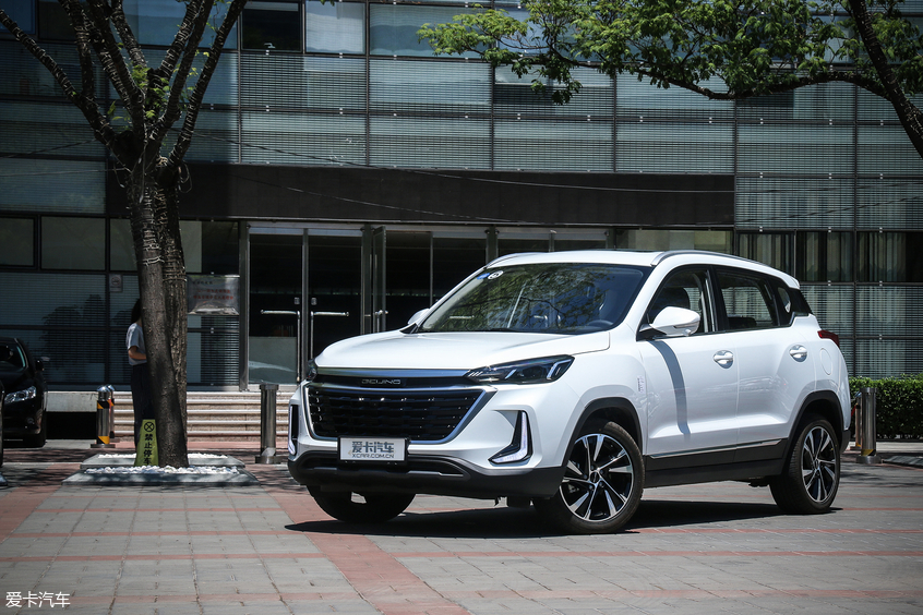 紧跟消费趋势 爱卡实拍北京汽车智达X3