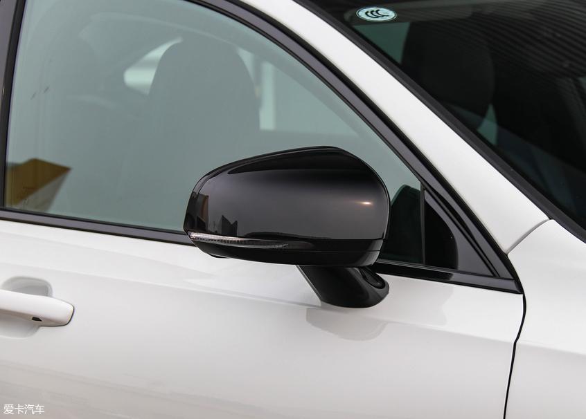 瑞典轻奢风 实拍沃尔沃S90智逸运动版