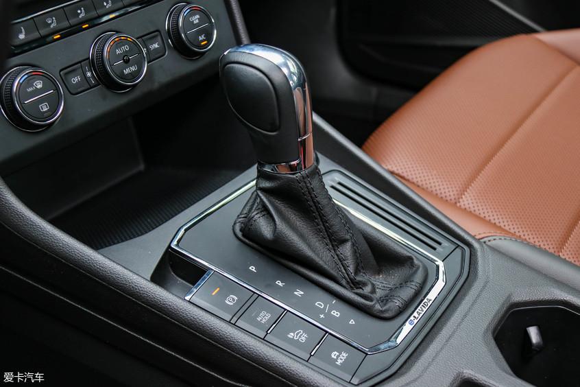 试驾上汽大众朗逸纯电 销冠也能玩电动