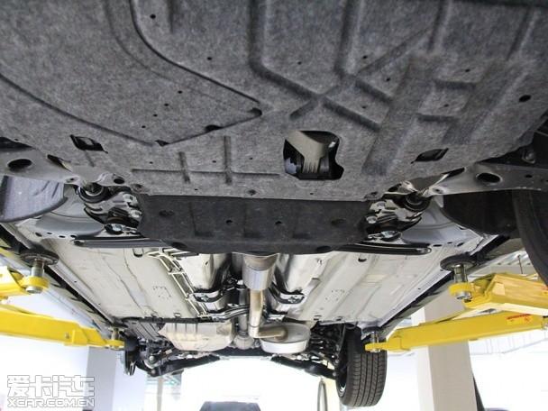 目前常见的底盘防护方式有护板、涂层两种,护板则有塑料和高清图片
