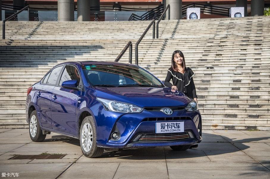 易小姐为了满足代步的需求,于去年购入这台广汽丰田YARiS L 致享2017款 1.5G CVT炫动版。