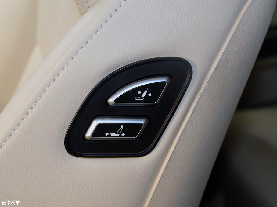 说起众泰品牌汽车,我想大多数人第一时间想到的一定是T600、SR9等热销车型。不过,这些都不重要了,因为就在今天......