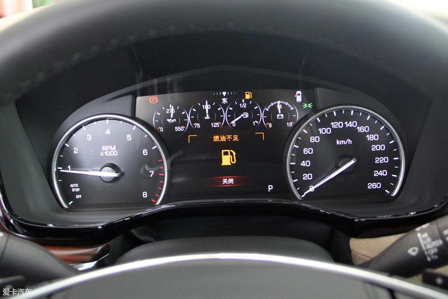 实拍凯迪拉克XT5轻混动车型