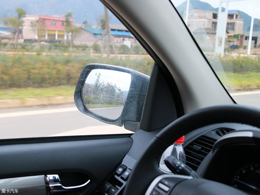 D-Max多路况驾驶体验