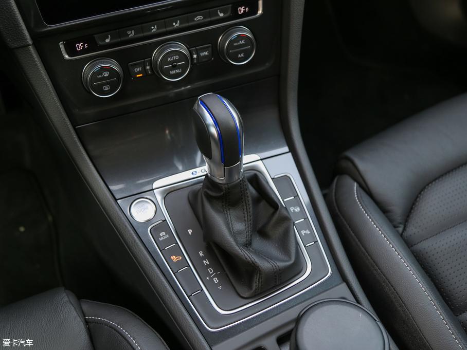 爱卡汽车试驾大众e-Golf