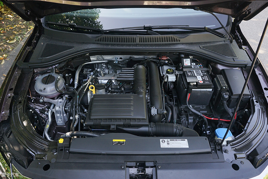 动力方面,全新朗逸plus将有两款发动机可供选择,分别为ea211的1.