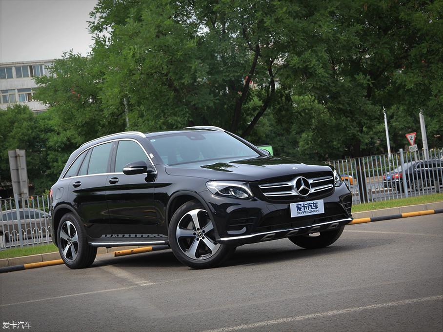本次实拍车型为2018款 改款 GLC 260 4MATIC 豪华型(以下简称GLC),厂商指导价为44.50万元。