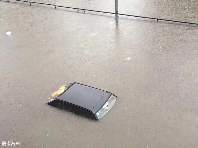 北京大雨;用车小百科;雨天行车