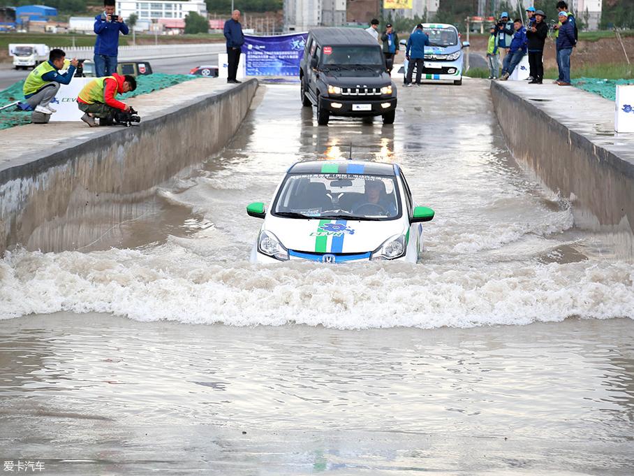 纯电动车;涉水;短路;漏电;安全行车