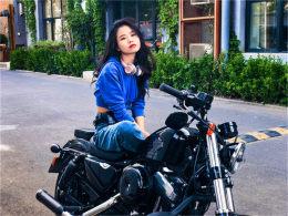 眼睛被景色滋润 骑着摩托车去找媳妇儿