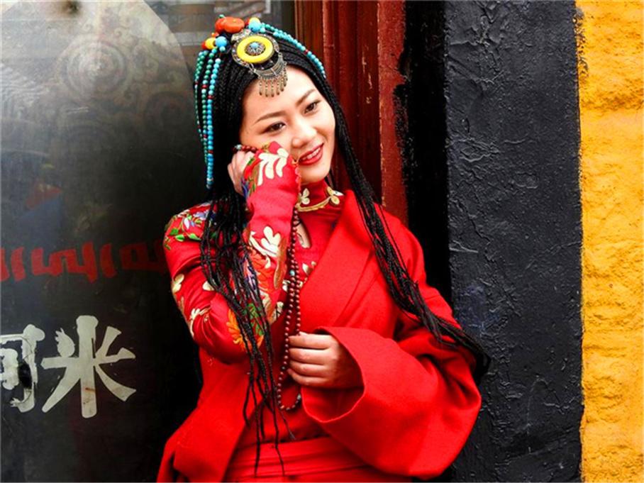 血腥的场面令人震惊 再入西藏偶遇天葬