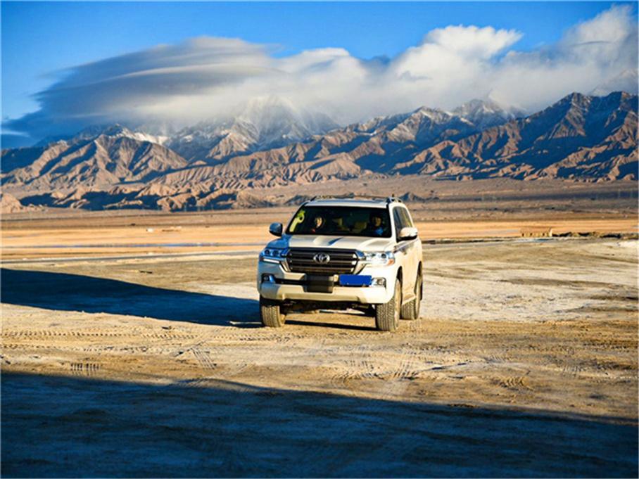 冬游哈拉湖 零下30多度还要在湖边露营