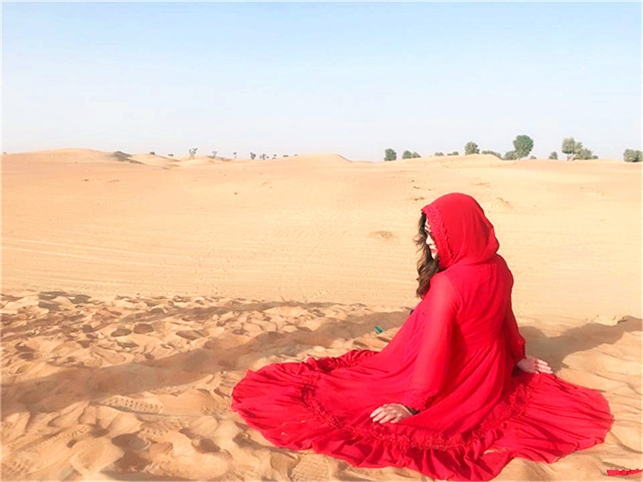拖拉兔迪拜游 一半海水一半沙漠的国度