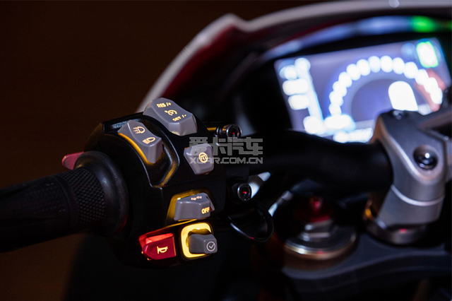 Triumph Speed Triple;凯旋 Speed Triple;2018款Tri
