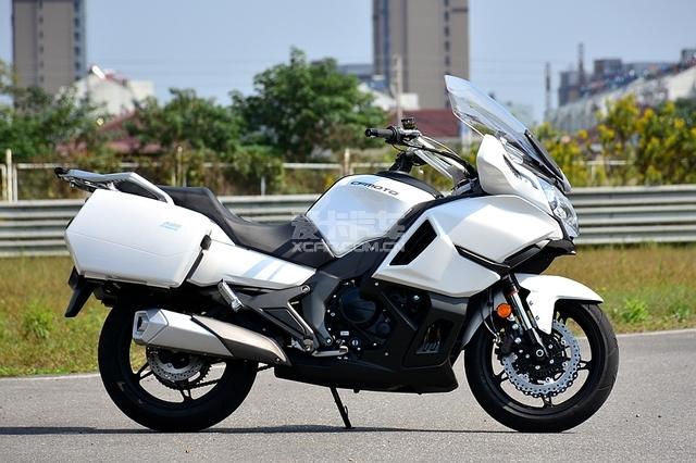 2018款春风650TR-G