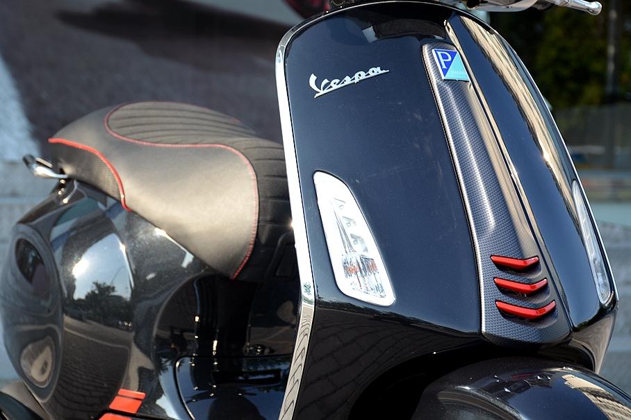 Vespa Sprint碳纤特别版