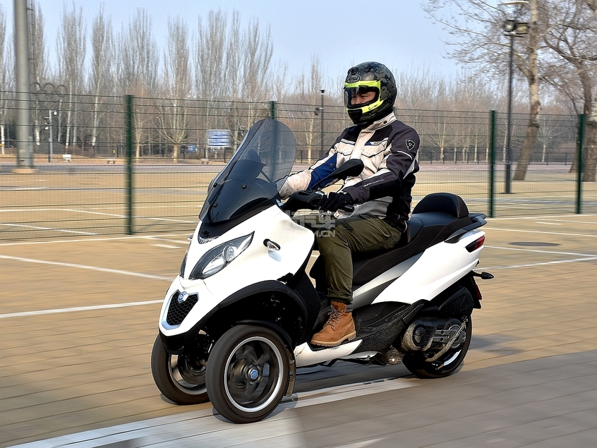 比亚乔;Piaggio;比亚乔MP3;比亚乔倒三轮;MP3 Sport 50