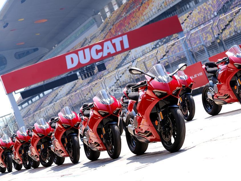 杜卡迪;DUCATI;杜卡迪赛道培训;Panigale V2