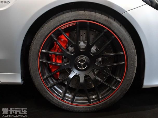 全新奔驰C63 AMG