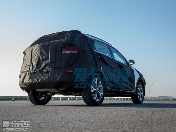 起亚小型SUV KX3谍照