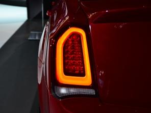 新克莱斯勒300C北美车展发布 外观运动